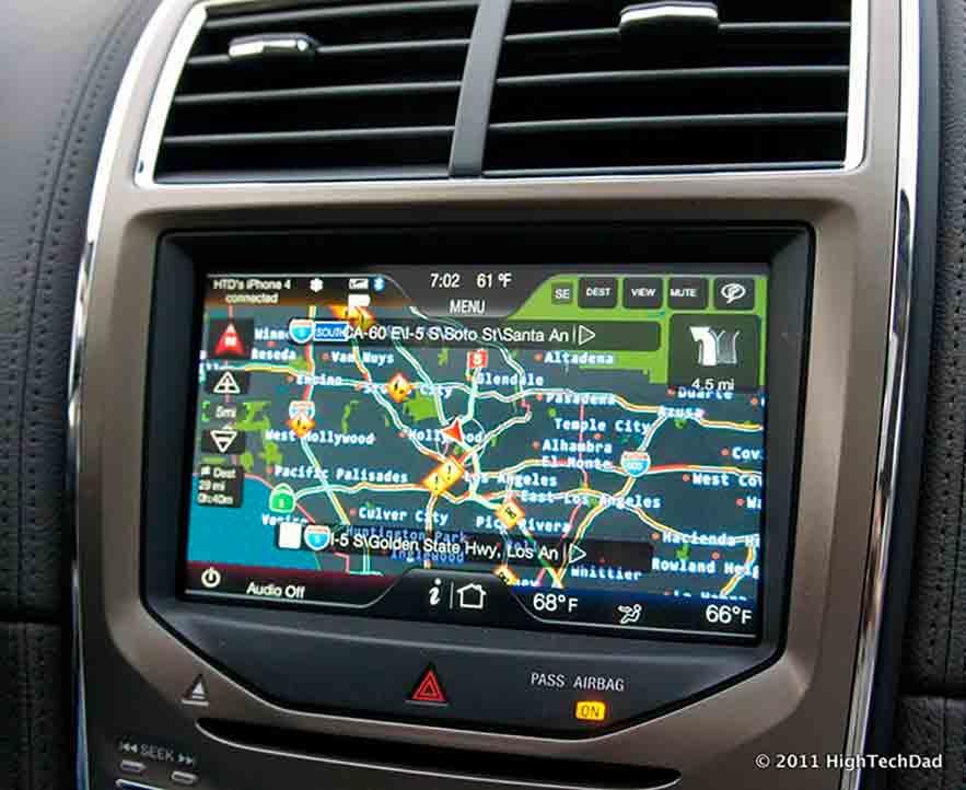Batida de carro: a fonte do GPS pode causar acidentes, mas curiosamente somente para homens.