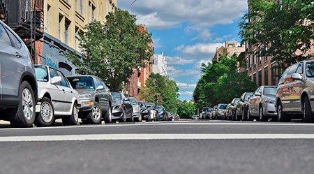 Esquecer o estacionamento e deixar o carro na rua aumenta o risco de roubo