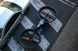Moto voadora hoverbike, que parece um drone gigante
