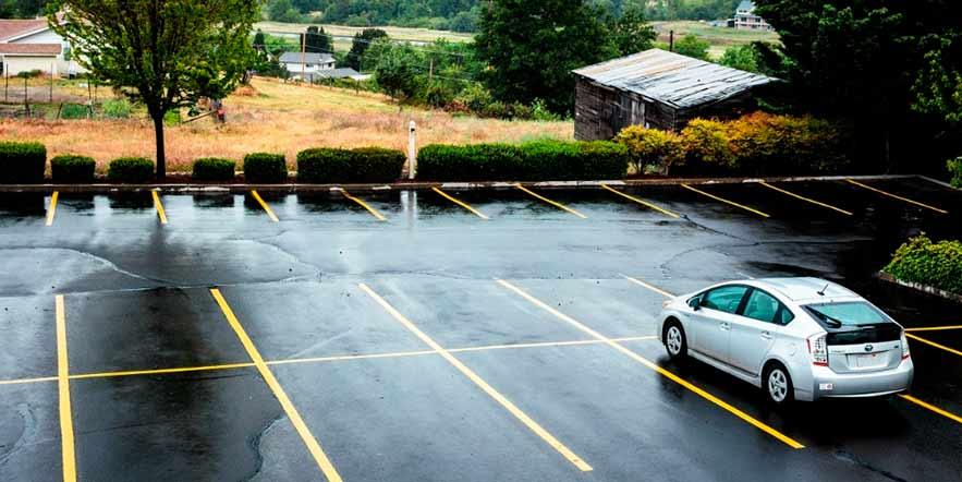 Dicas para evitar furto de carro: evite estacionar naquela vaga mais distante.