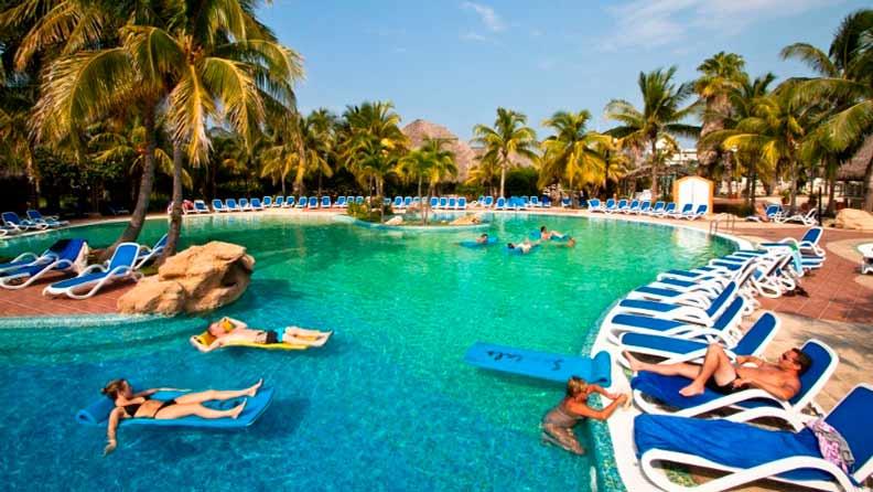 Viagem Segura: O resort é a opção própria para quem busca diversão e opções de lazer, sem sair da hospedagem
