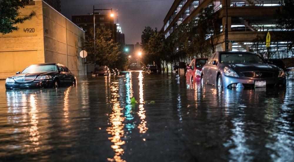 Como agir com meu carro em enchente