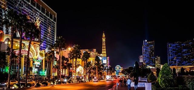 Se você é baladeiro, Las Vegas é uma viagem adequada