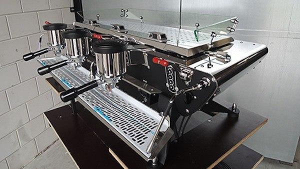 A máquina de café da Kees van der Westen é uma das mais caras do mundo, e com design único