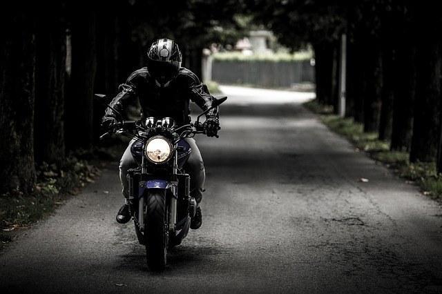 A jaqueta do piloto é um dos principais itens de proteção para motociclistas.