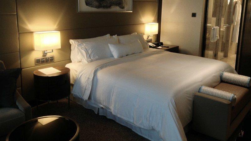 Viagem Segura: Hotel pode ser prático e oferecer preços em conta, indicado para quem viaja acompanhado