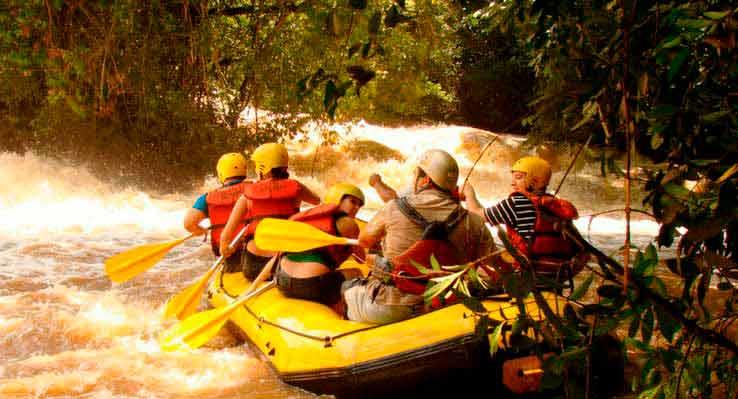 rafting no rio
