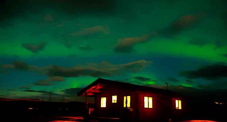 aurora boreal vista da Islândia