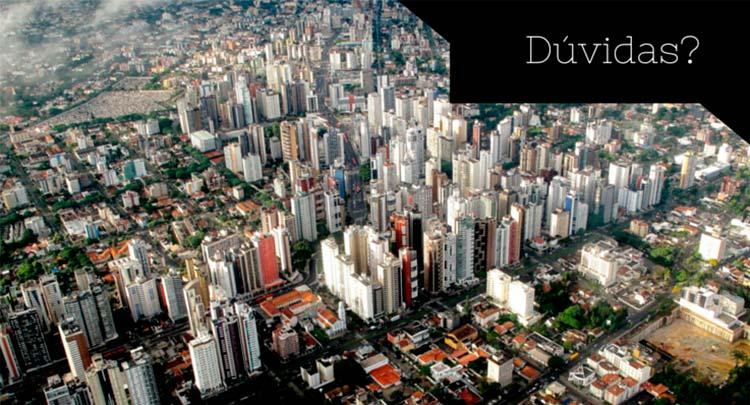 """Imagem de Curitiba de cima com a descrição """"dúvidas?"""""""