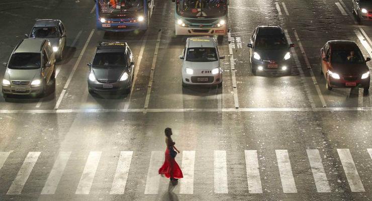 brasilia e a faixa de pedestres