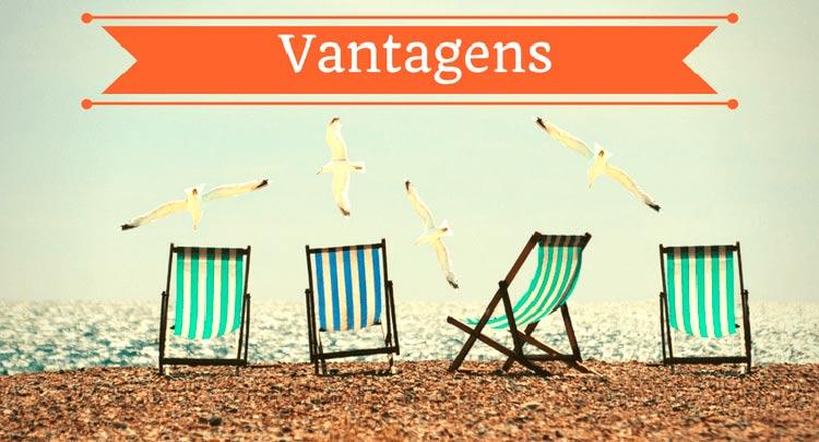 """imagem de cadeiras de praia com aves ao fundo com a descrição """"vantagens"""""""