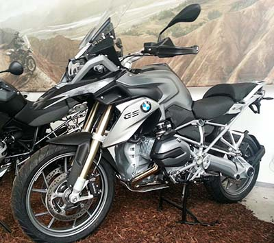 motocicleta da categoria maxitrail
