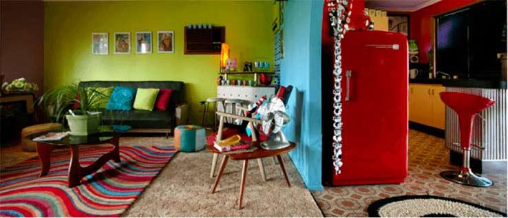 Imagem de uma casa colorida