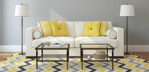 sala de estar com tapete em casa