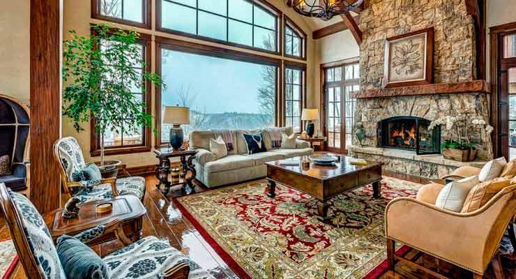 imagem de sala de estar com um tapete