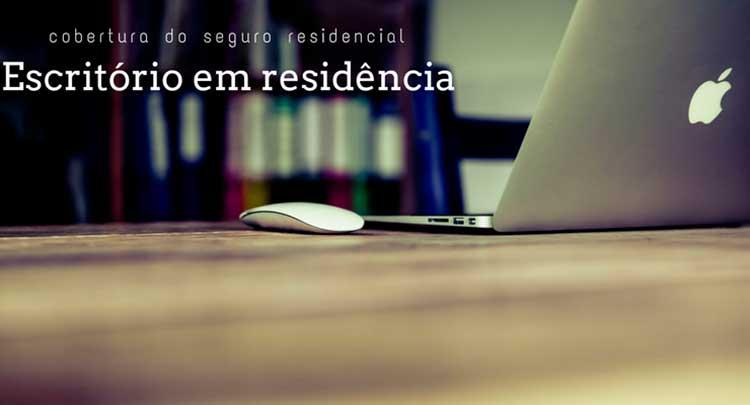 """imagem de computador com mouse em cima da mesa com a legenda """"cobertura do seguro residencial - escritório residência"""""""