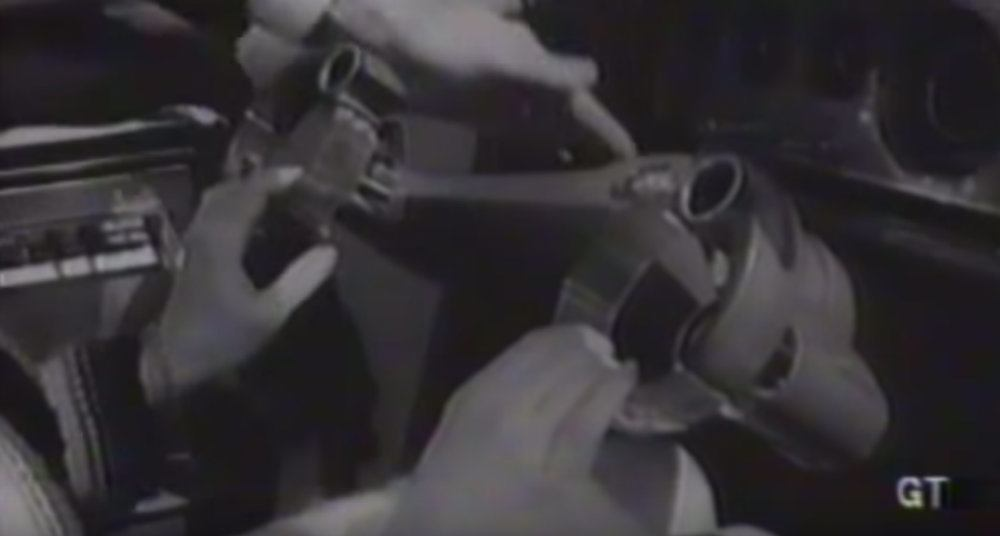 Veja no vídeo o substituto esquisito que a Ford inventou para o volante.