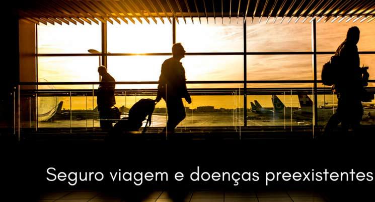 """Imagem de um aeroporto com a descriçao """"seguro viagem e doenças preexistentes"""""""