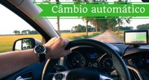 imagem de um volante com a legenda câmbio automático