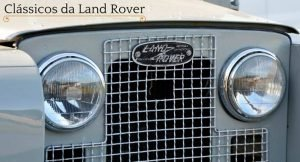 """Imagem de uma frente de um carro antigo da land rover com a descrição """"clássicos da land rover"""""""