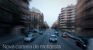 imagem de uma rua movimentada com diversos carros e a descrição: nova carteira de motorista