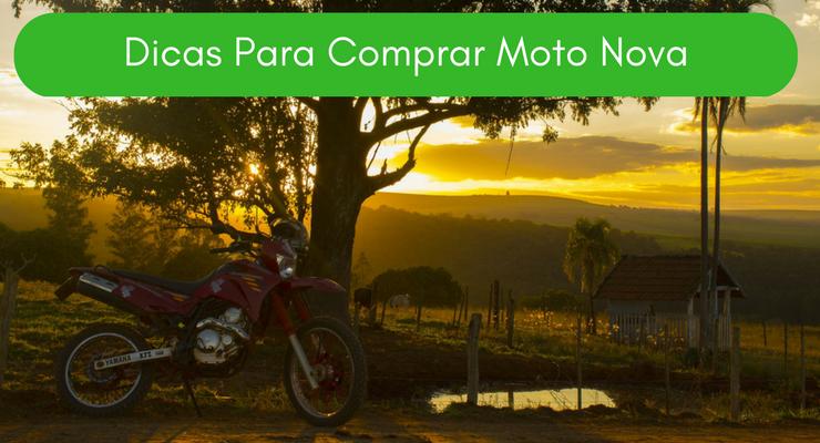 Imagem de uma moto em um ambiente rural com a descrição: Dicas Para Comprar Moto Nova