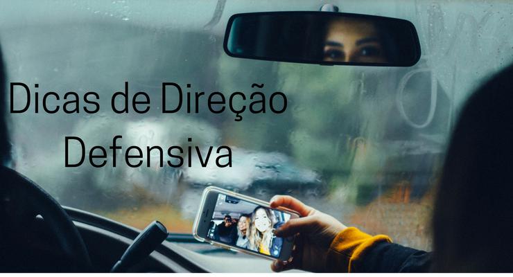 imagem de jovens dentro do carro com a descrição: dicas de direção defensiva