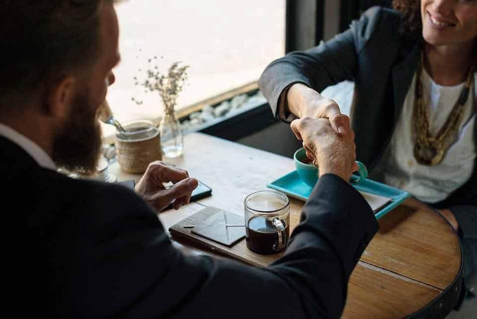 O que é sucessão empresarial e quais as regras para que ela ocorra?