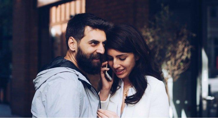 imagem de um casal para ilustrara postagem de: Solteiros sem filhos precisam de seguro de vida