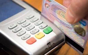 o que é anuidade de cartão de crédito
