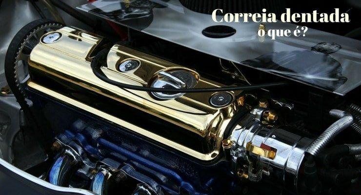 imagem do motor de um carro com a legenda: Correia dentada