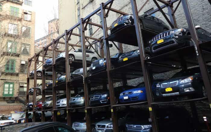 imagem de carros ilustrando post sobre legislação de recalls