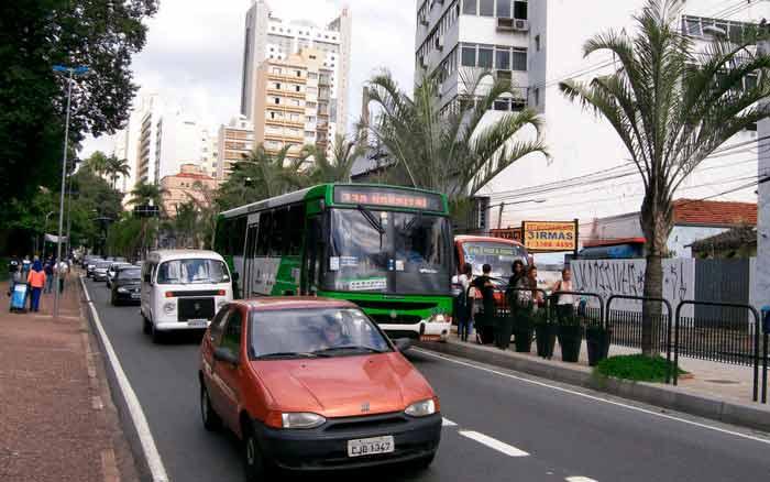 Imagem do trânsito para ilustrar post sobre exame toxicológico CNH