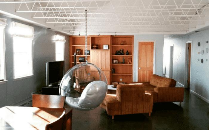 Imagem de uma sala bem decorada para ilustrar post sobre decoração escandinava