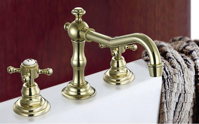 Imagem de metais de pia para ilustrar post sobre como reformar banheiro pequeno