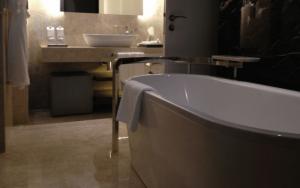 Imagem de banheiro para ilustrar post sobre exaustor para banheiro