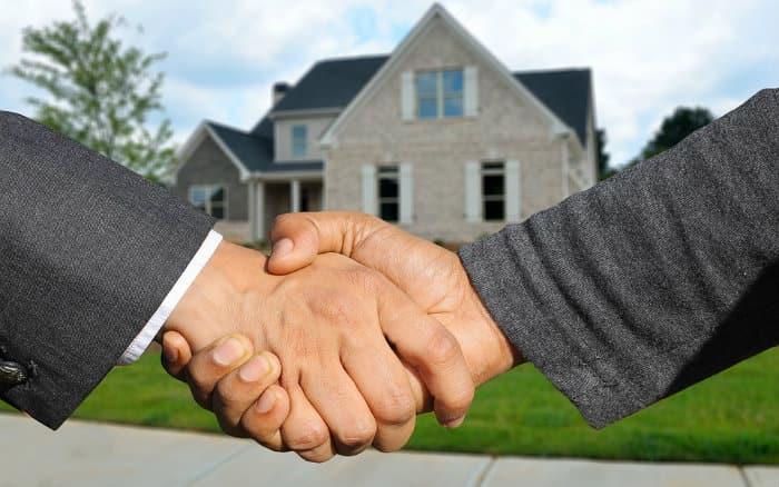 Imagem de compra de casa ilustrando post sobre o que é ITBI