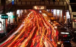 Imagem de trânsito para ilustrar post sobre Limite de velocidade e os acidentes de trânsito