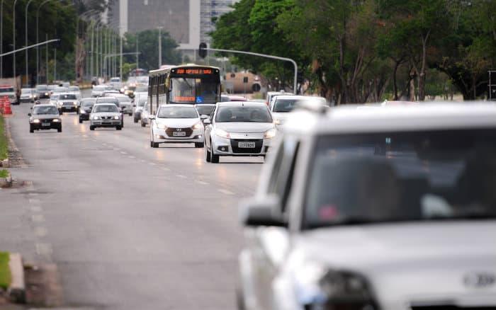 imagem de trânsito para ilustrar post sobre modelo de recurso de multa
