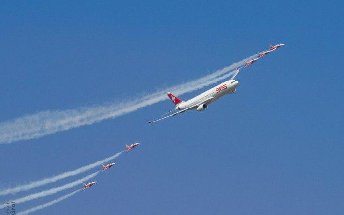 Imagem de avião para ilustrar post sobre buscador de passagens google flights
