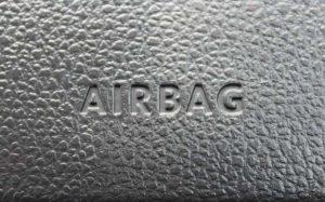 Imagem de airbag ilustrando texto sobre como funciona o airbag