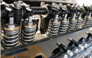 Imagem de motor de carro para ilustrar post sobre carros com manutenção mais cara do brasil