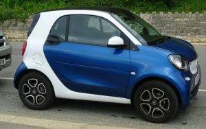 Imagem de um veículo pequeno para ilustrar post sobre carros pequenos