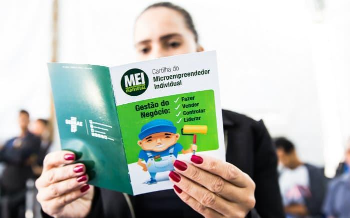 imagem de manual MEI para ilustrar texto sobre como declarar imposto de renda MEI