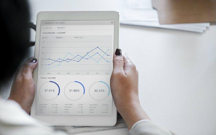Imagem de gráfico de investimento para texto sobre como investir em debêntures