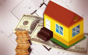 Imagem de dinheiro e casa ilustrando texto sobre Financiamento Imobiliário