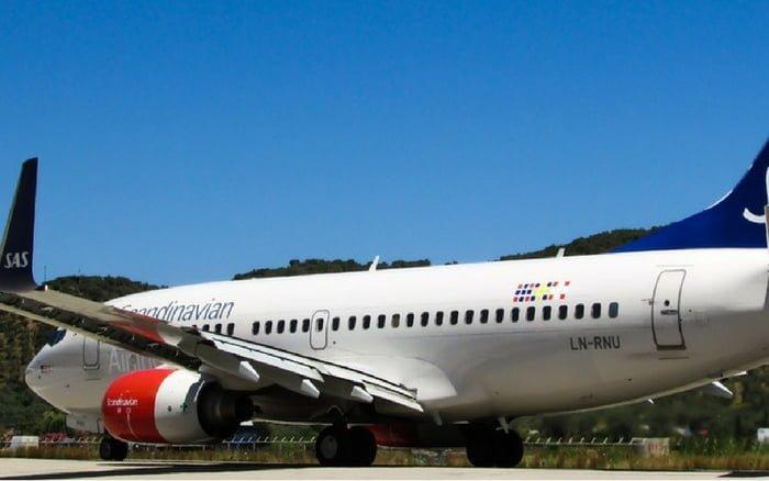Imagem de avião para ilustrar post sobre fechar viagem online