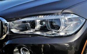 imagem de carro ilustrando texto sobre polimento automotivo