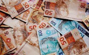 imagem de dinheiro para texto sobre renda variável
