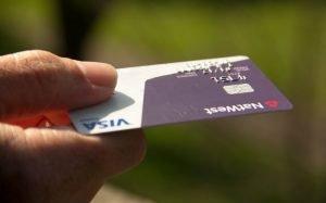 Imagem de cartão de crédito ilustrando texto sobre máquina de cartão de crédito para autônomo